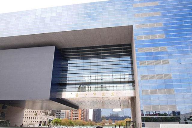 台中市政府4樓集會堂採用Pyrobel阻熱型防火玻...