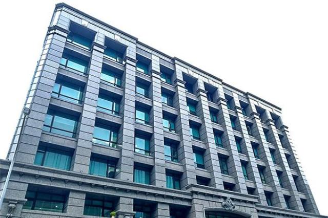 天祐內湖科技園區辦公大樓採用Low-E膠合玻璃