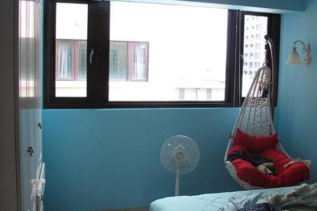 位在新竹的社區大樓,特殊的90度玻璃接玻璃角窗設計...