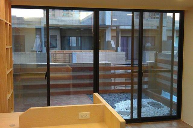 這是我第三間房子使用育璽雙中空懸膜節能玻璃,因為家...